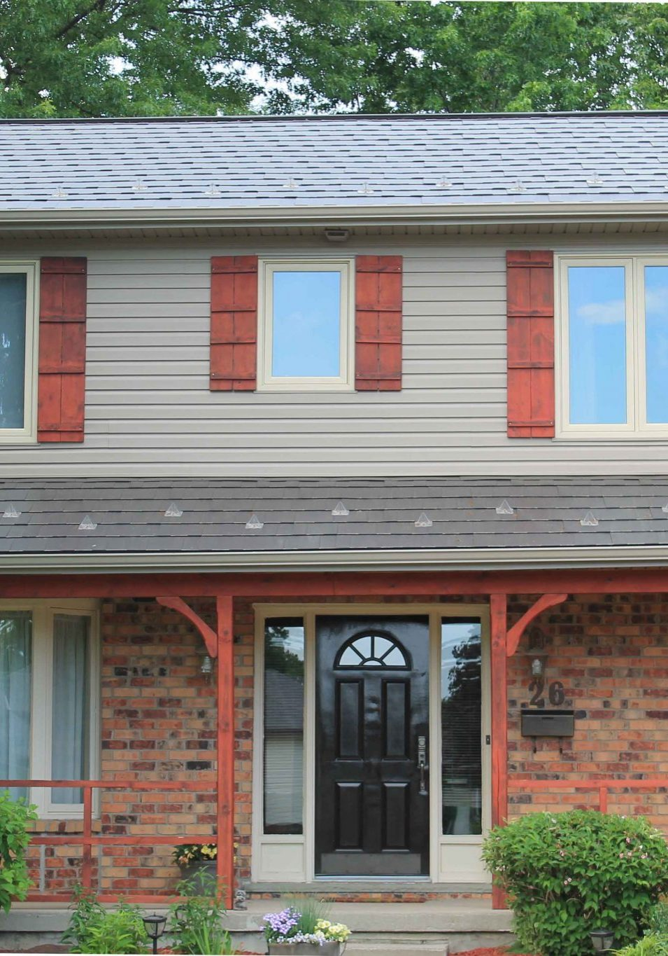 Wakefield Bridge Steel Shingles in Mustang Brown